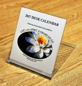 Up-right desk calendar